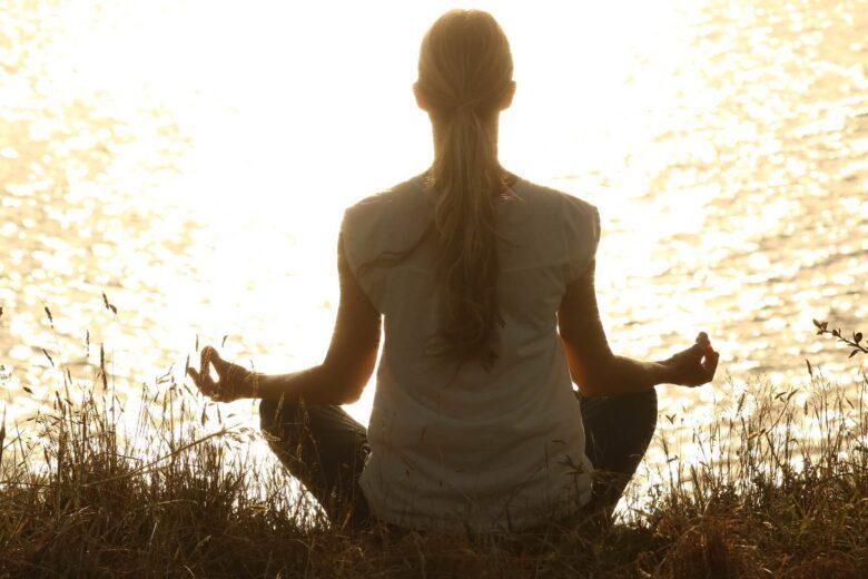 瞑想を毎日20分ずつ通算1年ほど続けて感じた意識の変化を話して見よう。