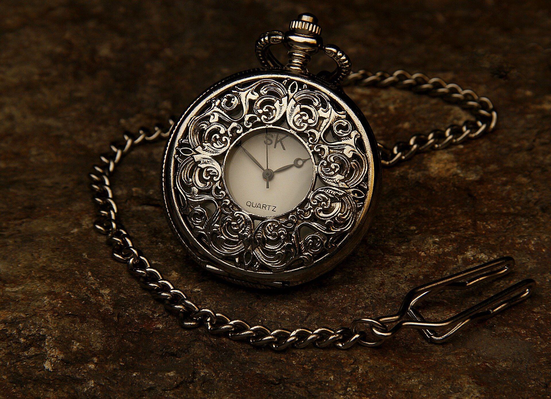 人生を豊かにしたければ自由な時間を増やそう。時間は金で買え。
