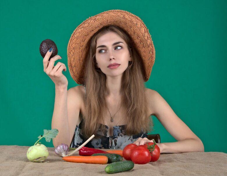 ベジタリアンとビーガンは何がどう違う?野菜だけで健康でいられる?