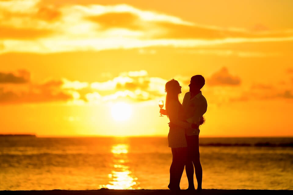 女性が好きな男性の愛情行動を10個紹介する「彼氏は彼女にやってみるといい」